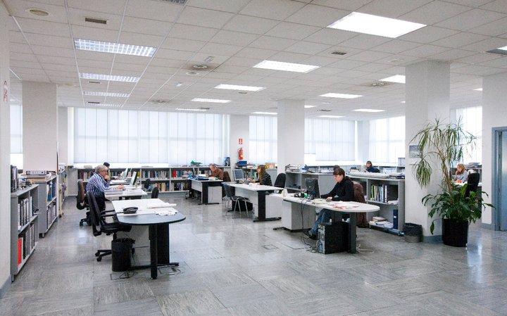 1.000 m2 de oficinas.